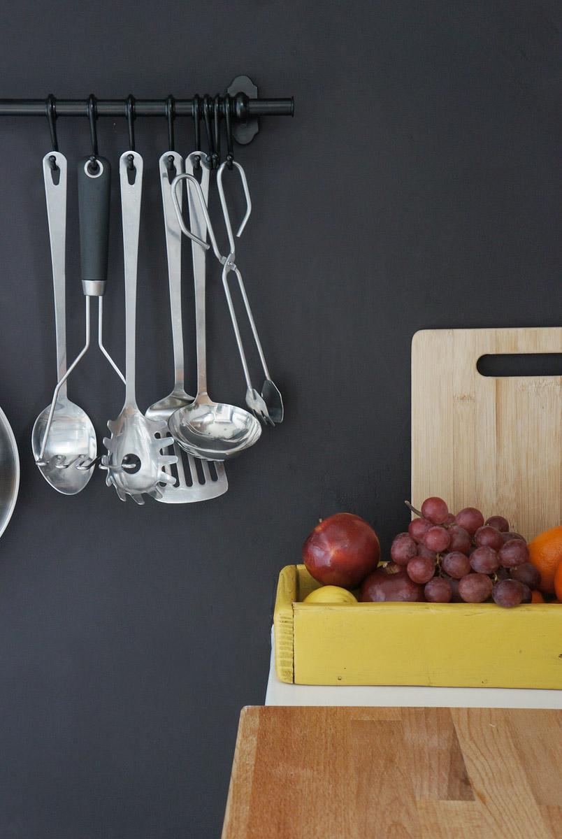 Renovar la cocina sin obras ii c mo tapar azulejos paso a - Pintura para baldosas cocina ...